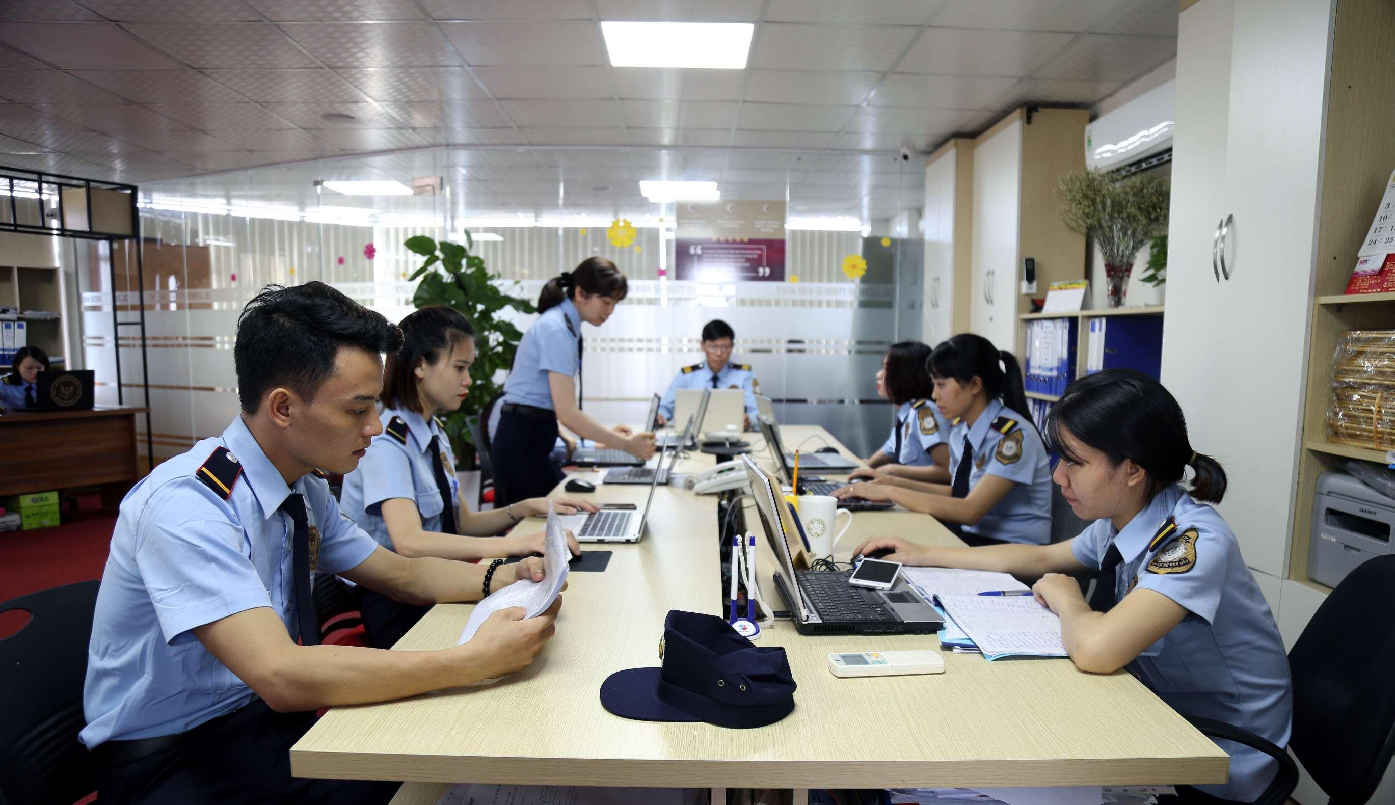 Dịch vụ bảo vệ, tuyển dụng nhân sự loa động phổ thông, nhân sự nhân viên văn phòng, hành chính