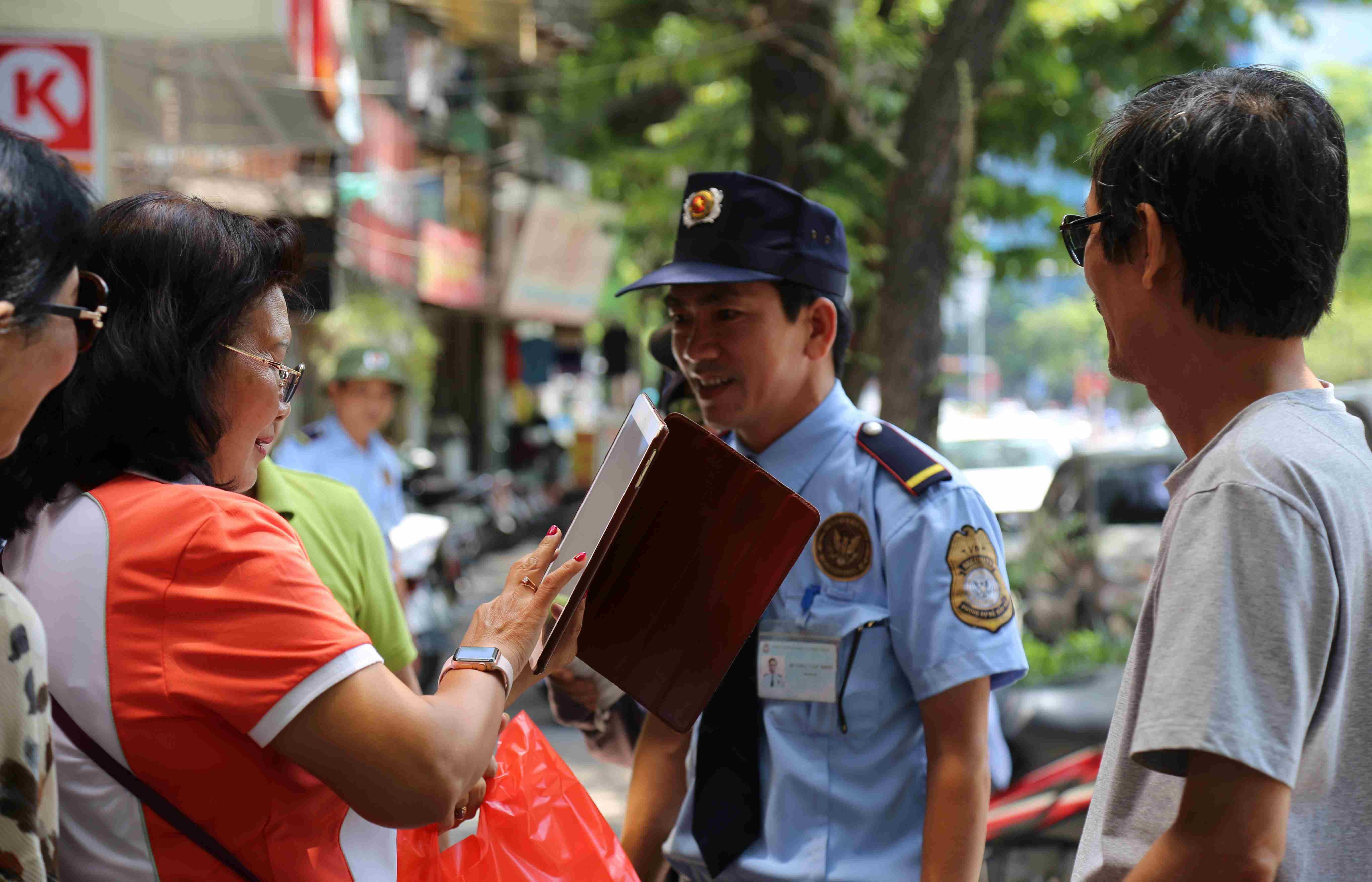 Nhiệm vụ của nhân viên bảo vệ trường học